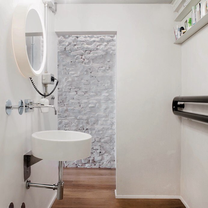 (super)future bathroom - loft in Florence #bathroomdesign #design #loftdesign #florence