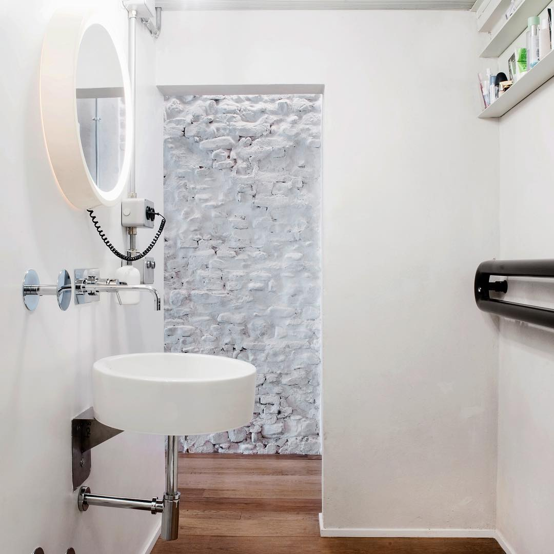 Another bathroom form Another time and Another place... #bathdesign #idpicks #florence #loft #superfuturedesign